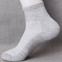 Wholesale Hot Womens Mens Winter Sports Socks Outdoor Camping Hiking Cycling Socks Soft Ankle Cortton Sock Mens Fashion Casual Sock Lightning delivery