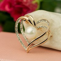 Wholesale ladies business suit accessories metal brooch breastpin ouch with alloy and pearl