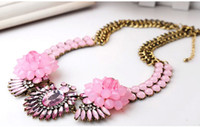 Wholesale Hot Sales Fashion Crystal Silver Clear Rhinestone Flower Pendant Necklace Statement Necklace For Women