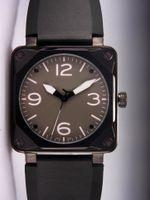 Les prix de gros de luxe mécaniques automatiques Marque carrés Vintage Style bracelet en caoutchouc noir suisse PVD inoxydable Mens montres pour hommes Homme