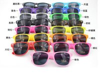 Plastic retro sunglasses - Colored glasses sunglasses retro sunglasses men and women can wear