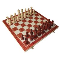 Wholesale Traditional standard folding potable pinewood chess with chess pieces