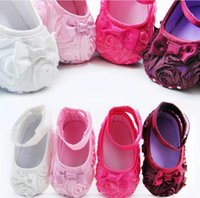 Wholesale 10 off Discount New Big Rose flower Baby First Walker Shoes infant baby prewalker kids Antiskid shoes girls shoes pairs