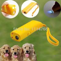Wholesale Pet Product Ultrasonic Dog Training Repeller Aggressive Control Trainer Device Anti Bark Stop Barking v8mF