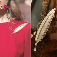 Wholesale 2014 new hot women s brooches fashion elegant golden brand designer metal leaf party cocktail costume pins accessories