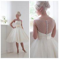 Wholesale Short Wedding Dress Knee Length Ivory Tulle Sheer Bateau Neck Illusion Back Cap Sleeve Bridal Gowns Spring Vintage s Wedding Gown
