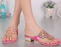 Grande taille 34-44 femmes 2016 bas talon bascules plat dames sandales cristal luxe strass fleurs femme été plage occasionnels chaussures fashio