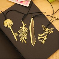 Wholesale Cute Kawaii Gold Metal Bookmark Vintage Key Feather Angel Bookmarks Paper clip for book Stationery