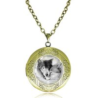 antique silver photo frames - Love Wolf Locket Necklace for Couples Lover Natural Grey Wolves Pendant Glass Cabochon Animal Neckless Antique Bronze Choker Photo Frame