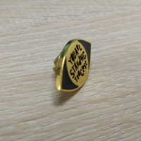 Wholesale shiny gold color standing too close pin badge with black enamal filled made of zinc alloy material