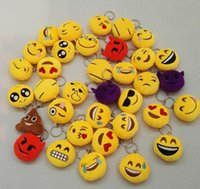 Wholesale QQ Emoji Smiley Emoticon Keychains Cute Cartoon Pendant Car Key Chain Soft Round Stuffed Plush Keyrings Cheap Promotion Gift for Christmas