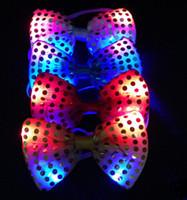 30PCS Fête de mariage de Noël de Halloween cravate rougeoyante lumineuse jusqu'à jouets femelle / mâle clignotant conduit bow tie décoration scène de danse