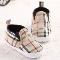 Wholesale Fashion Classic Leisure Shallow Newborn Baby Boy Kids Prewalker Shoes Infant Crib Babe Soft Bottom First Walkers Loafer Year