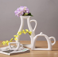 Wholesale Living Room Fashion Modern Style White Ceramic Tabletop Flower Wedding Decorative Vase Home Christmas Decoration Accessories