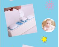 Wholesale Electric Childproof Outlet Covers Baby Safety Outlet Plugs Protector White Securely Socket Cover Plates with Two and Three Hole