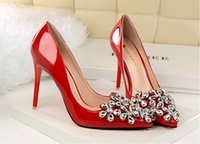 Wholesale Korean fashion was thin and delicate and elegant high heeled patent leather fine with shallow mouth pointed high heels shoes diamond small f