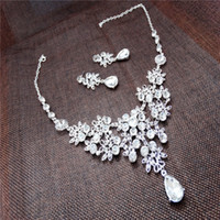 Wholesale NEW Bridal Jewelry Bridal necklace earrings two piece wedding wedding headdress sets accessories Korean jewelry pearl jewelr