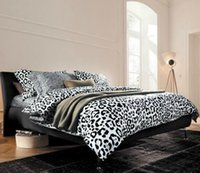 bedroom set classic white - Classic fashion Black and White Leopard Print Queen Size Bedding Sets Cotton Duvet Cover Bedsheet Pillowcase Bedroom Set