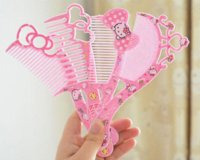 Wholesale Sweet Hello Kitty Design Random Kids Hair Comb Lady s Comfortable Touch Female Beauty Makeup Cosmetics TOOL Comb