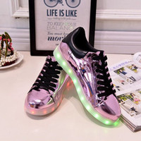 Wholesale LED seven gold and silver purple lights shine shoes new leisure shoes sneakers USB charging men and women lovers noctilucent boom