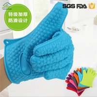 Wholesale 190g Silicone Kitchen Cooking Gloves Microwave Oven Non slip Mitt Heat Resistant Silicone Home Gloves Cooking Baking BBQ gloves Holder