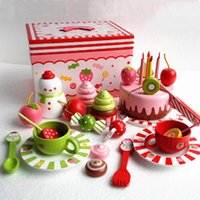 Wholesale Mother Garden Strawberry Large Simulated kitchen toy Children Educational Wooden Toys Play House set