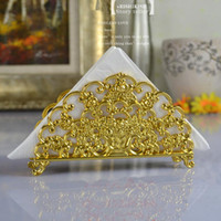 Wholesale European pattern towel rack senior gold plated metal towel holder napkin holder home accessories hotel cafe bar