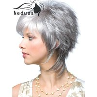 Wholesale Modern shag hairstyles Synthetic pastel wigs for women Short wavy silver wig with bangs Peruca curta grey wig for womens