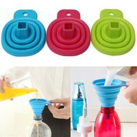 Wholesale Practical Cute Mini Silicone Gel Foldable Funnel Collapsible Hopper Funnel of Wine Oil Portable Retractable Kitchen Tool