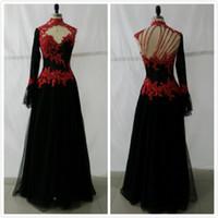 achat en gros de longues robes de soirée rouge de photos-Image réelle gothique robes de soirée rouge et noir Une ligne col haut en dentelle Applique perles One manches longues Bridal Party Prom Robes