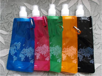 Wholesale Portable Folding Sports Water Bottle For Sports Foldable Bag Travel Mug For Sports Water Bag Novelty Items