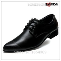 Wholesale Hot New Pointed Toe England Type Leather shoes men flat shoes Soft and Breathable men Comfortable Oxford Wedding Business shoes