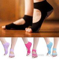 Wholesale 30pcs Cotton Utmost Healthy Yoga Pilates Sports Socks Half Toe Ankle Grip Five Finger Colors Fashion Women Dance Yoga Socks NAR072