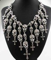 Vente en gros Date Superbe Fashion Collier Skeleton crâne Croix Département de cristal bijoux Déclaration femmes Choker Colliers Pendentifs