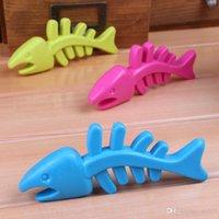 Wholesale Soft Fish Pet Toothpaste Molars Rubber Incense Bite Resistant Pet Fish Bones Toy Pet Dot Training Toys Non Toxic PES3015
