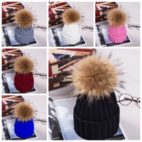 Wholesale New Winter Fur Pompom hat for women Big Real Raccoon fur Beanies cap bobble hat