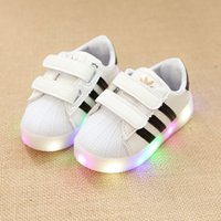 Wholesale Children Shoes With Light Chaussure Led Enfant Spring Autumn Girls Shoes Sports Breathable Boys Glowing Casual Luminous Sneakers