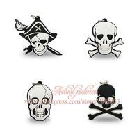 Livraison gratuite Pendentifs de collier de PVC de bande dessinée de crâne 100pcs pour des porte-clés Porte-clés, écouteurs de cadeaux de fête d'enfants de téléphone portable