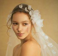 Wholesale New Design Fashion Handmade Petals Ivory Wdding Veils One Layer Soft Long Fingertip Veils For Bride Cut Edge Bridal Veils Stock