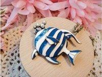 Colgantes tropicales Baratos-Collar de peces tropicales azul de los pescados del collar pendiente de la cadena del collar azul tropical de los pescados collar de perlas suéter pendiente