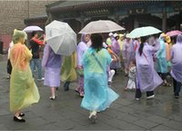 Wholesale In business One time Raincoat Fashion Hot Disposable PE Raincoats Poncho Rainwear Travel Rain Coat Rain Wear Travel Rain Coat
