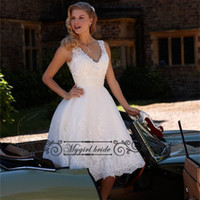 Wholesale Knee Length WEdding Dresses Sexy V neck Cap Sleeve Beads Lace WEdding Gowns Knee Length Short Bridal Dress