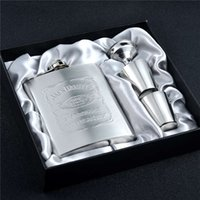 alcohol gift box - 7oz Stainless Steel Jack Daniel Hip Flask Set With Gift Box Embossing Whiskey Alcohol Flask Portable Pocket Flagon