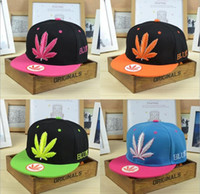Wholesale The latest fashion maple leaf baseball cap popular street hip hop couple cap sports hat offers
