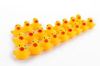Wholesale MOQ Baby Bath Water Duck Toy Sounds Mini Yellow Rubber Ducks Bath Small Duck Toy Children Swimming Beach Gifts