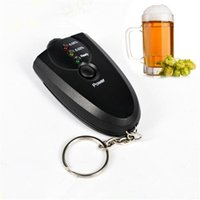 Wholesale Portable Keychain Red Light Flashlight Alcohol Breath Tester Breathalyzer Mini Professional Key Chain Alcohol Meter Analyzer