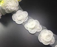 Precio de Cosiendo flores 3d-Tela ajuste de la cinta 10yard 3D flor de Rose plisada gasa del cordón para la ropa de costura DIY collar pinza de pelo de la muñeca del casquillo