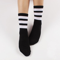 american football socks - New men women sports socks Harajuku American apparel style skateboard basketball football sock