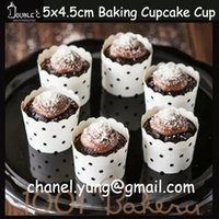 Wholesale Bakeware Cake Tools White Dot Bubbles Cupcake Toppers Muffin Wraps Baking Greaseproof Paper Disposable Stands