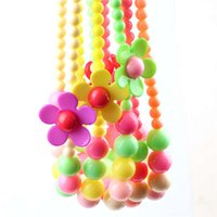 al por mayor los niños collares-Caramelo de los granos de los niños del collar las muchachas de flor de la resina collar joyas de los niños T710 Accesorios para bebés niños y regalo cumpleaños de la moda